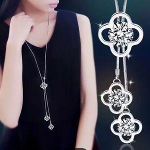 Jewelry - Silver Tone Jeweled Flower Necklace